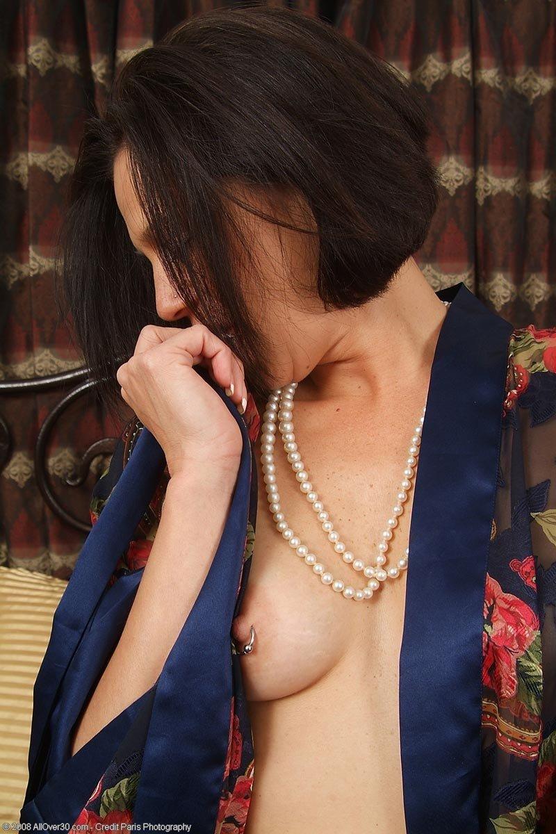 Дрочка арабки с кольцом на половой губе