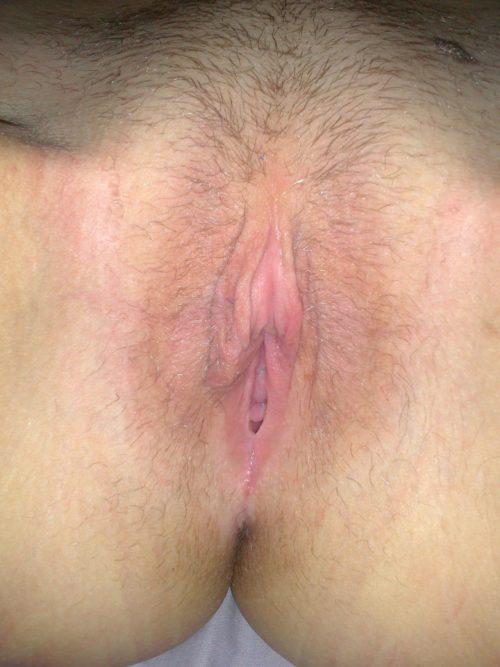 Частные пошлячки фотографируют свои голые вагины