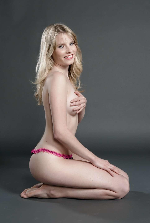 Блондиночка Рамона в сексуальном белье
